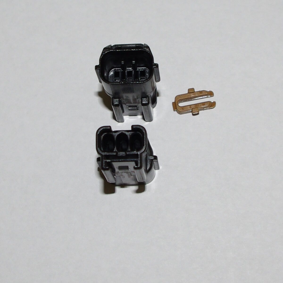2G 97+ CAS Male Connector